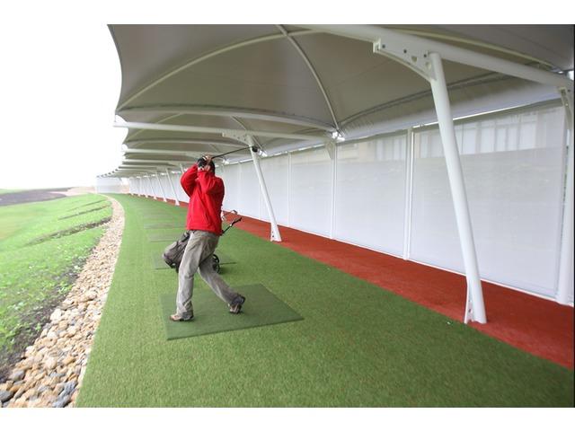 abri pour practice de golf contact carapax france sas. Black Bedroom Furniture Sets. Home Design Ideas