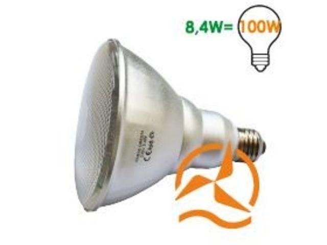 led spot light vert avec e27 de culot contact energie douce contact energie douce. Black Bedroom Furniture Sets. Home Design Ideas