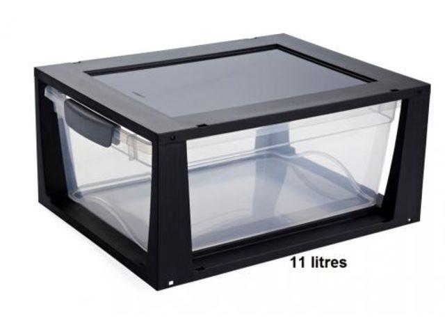 boite de rangement plastique empilable ferm e 11 litres contact rangestock. Black Bedroom Furniture Sets. Home Design Ideas