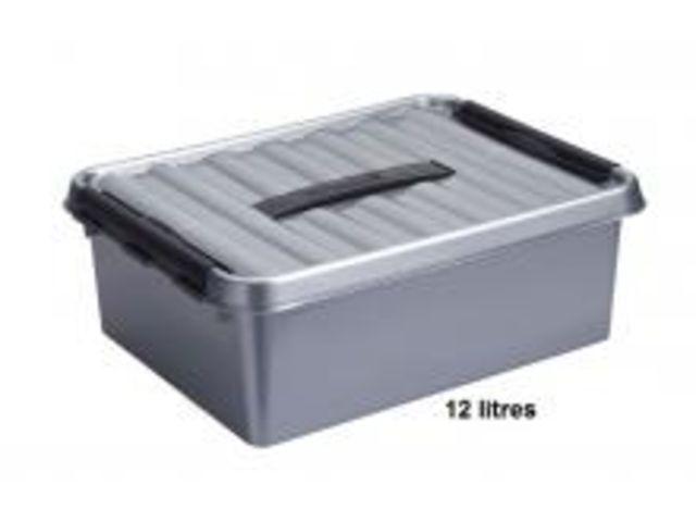 boite plastique opaque avec couvercle gris fermeture noir 12 litres contact rangestock. Black Bedroom Furniture Sets. Home Design Ideas