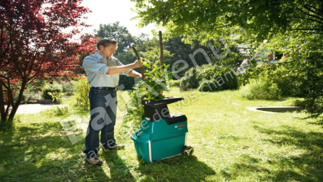 bosch jardin broyeurs silencieux axt 25 tc 0600803300. Black Bedroom Furniture Sets. Home Design Ideas