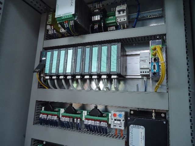 C blage d 39 armoires lectriques contact simef industrie - Cablage d armoire electrique ...