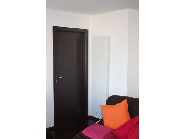 chauffage electrique radiateur inertie vertical. Black Bedroom Furniture Sets. Home Design Ideas