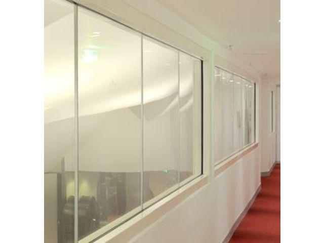 cloisons vitr es coupe feu bord bord horizon contact. Black Bedroom Furniture Sets. Home Design Ideas