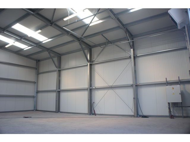 Construction batiment industriel structure m tallique contact abri and co - Construire un hangar metallique ...