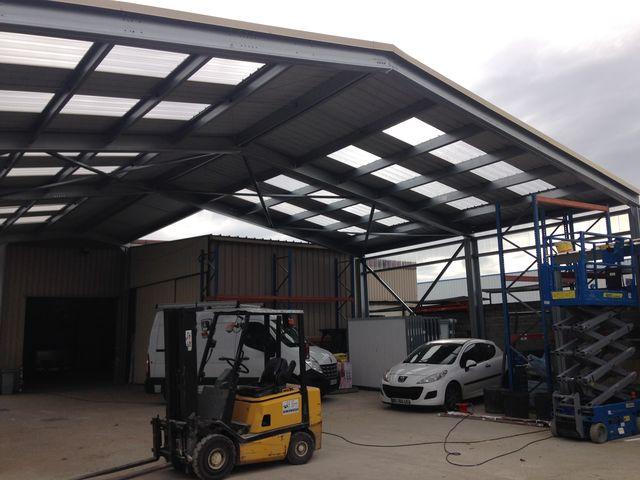construction hangar location contact abri and co. Black Bedroom Furniture Sets. Home Design Ideas