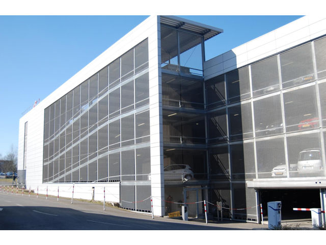 Construction parking m tallique contact abri and co for Structure metallique architecture