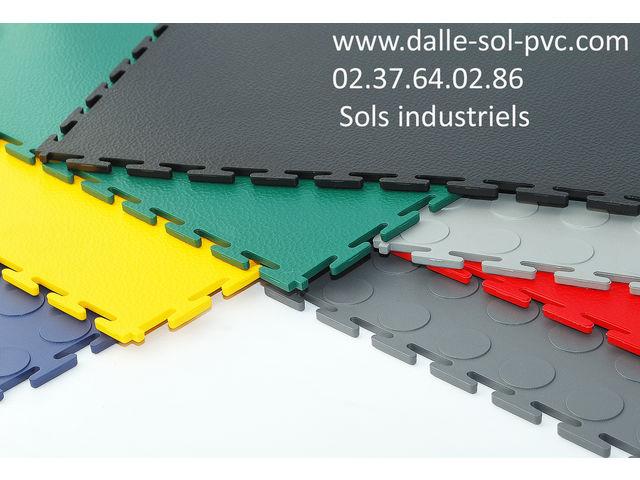 Dalles sol pvc emboitables en couleurs contact dalle sol pvc com une activit apara - Dalle de sol en pvc ...