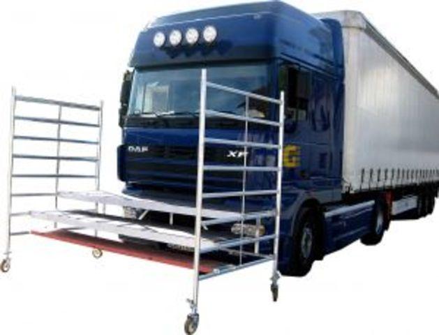 Echafaudage mobile pour la pose des vitrages sur camion et for Piscine mobile sur camion