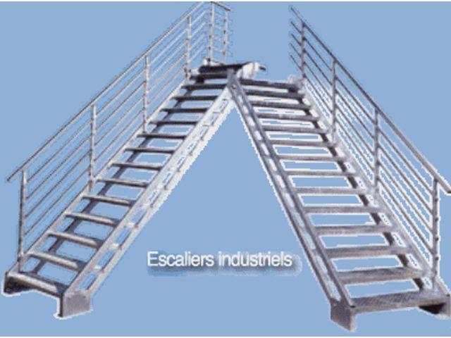 Escalier droit industriel contact bombrun les escaliers du vernosc - Escalier industriel prix ...