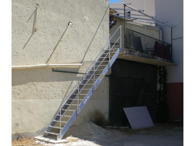 escalier droit industriel