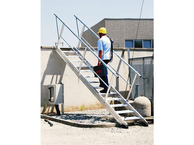 Escaliers droits alu inclinaison variable contact echelles plus - Construction des escaliers ...