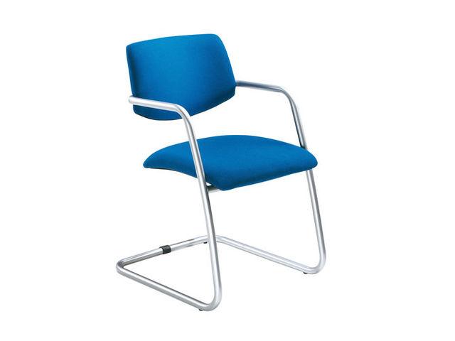 fauteuil visiteur trend en tissu bleu et pi tement aluminium contact setam rayonnage et. Black Bedroom Furniture Sets. Home Design Ideas