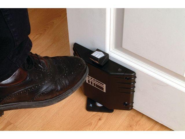 ferme porte automatique sans fil r agissant aux alarmes contact seton. Black Bedroom Furniture Sets. Home Design Ideas