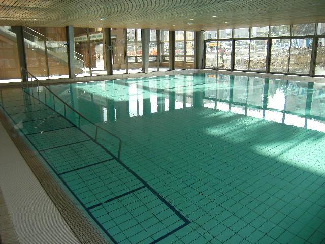 Carrelage accessoires de carrelage fournisseurs industriels for Fourniture pour piscine