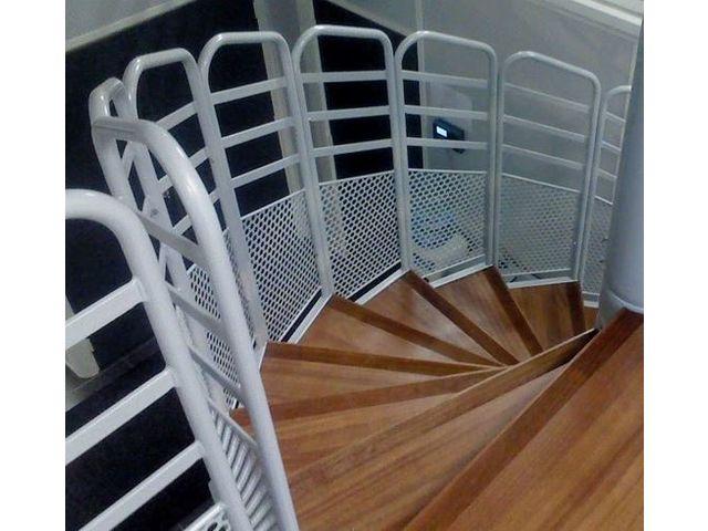 garde corps pour tablissement recevant du public contact bombrun les escaliers du vernosc. Black Bedroom Furniture Sets. Home Design Ideas