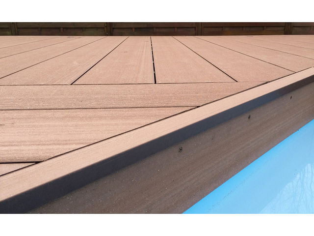 Grande lame de terrasse en bois composite contact abri for Lame de bois terrasse