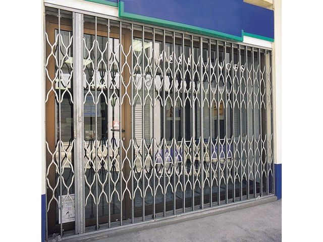 Grille articulee contact alizee fermetures - Grille de protection pour baie vitree ...