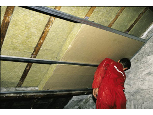 Isolation des combles am nag s contact rockwool isolation for Photos combles amenages