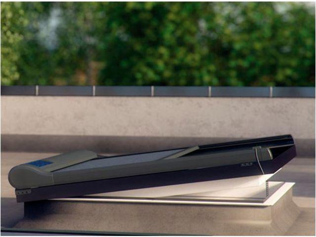 la fen tre pour toit plat def contact fakro france. Black Bedroom Furniture Sets. Home Design Ideas