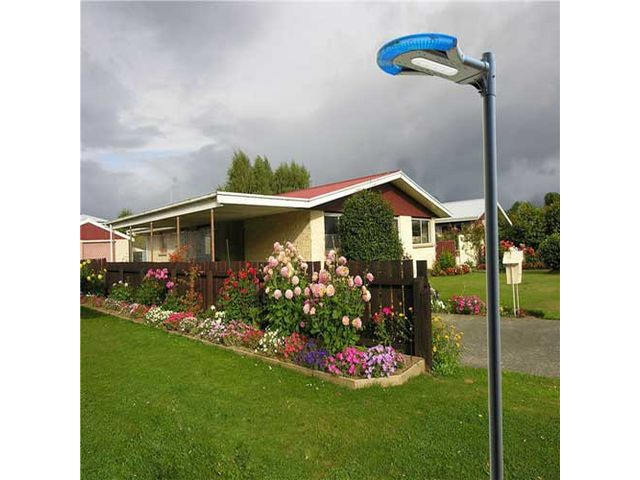 Lampadaire autonome led solaire 4w 400lm sans m t ip65 contact france lampes for Eclairage jardin autonome