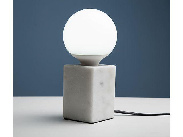 lampe poser carr e en marbre temp rature de couleur variable led 10 w incluse socle h. Black Bedroom Furniture Sets. Home Design Ideas