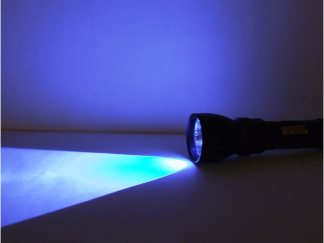 lampe torche uv led 365 contact sunnex equipement sarl. Black Bedroom Furniture Sets. Home Design Ideas