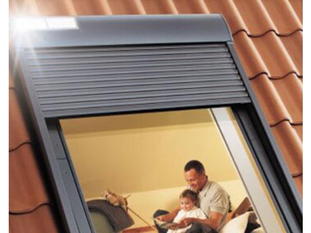 le volet roulant solaire ssl contact velux france. Black Bedroom Furniture Sets. Home Design Ideas