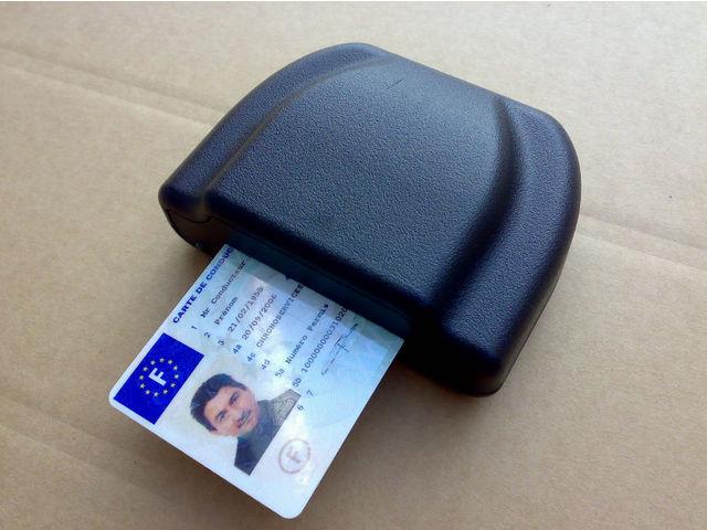 lecteur de cartes conducteur bluetooth contact nogema technology. Black Bedroom Furniture Sets. Home Design Ideas