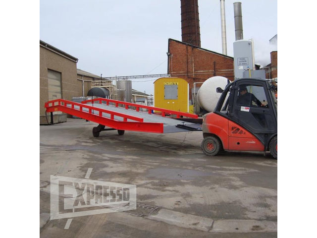 Location de rampe mobile de chargement contact expresso for Piscine mobile sur camion