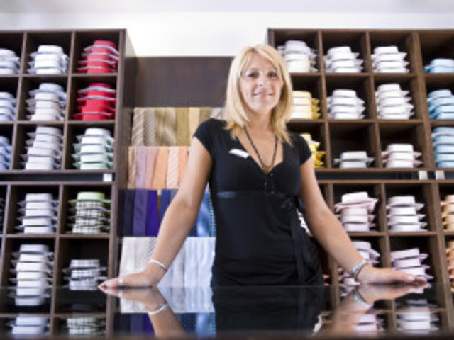stock-photo-12978297-sales-clerk-in-clothing-store_20credits2-300x225.jpg