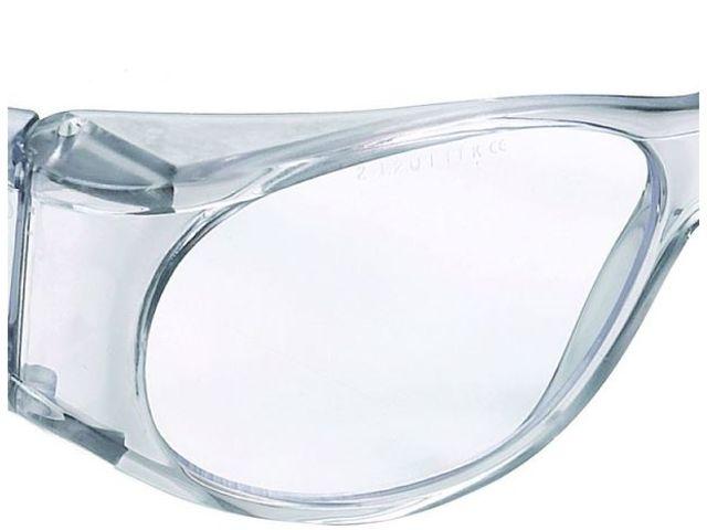 Réf 539 de lunettes de sécurité avec monture univet   Contact ... 24da61a19bda