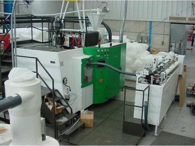 Machines rotatives d'extrusion soufflage