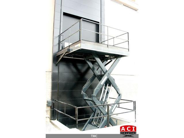 monte charges industriels tmc monte charge ciseaux contact aci elevation. Black Bedroom Furniture Sets. Home Design Ideas