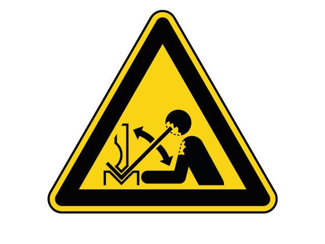 panneau de danger ne pas mettre ses mains dans la machine
