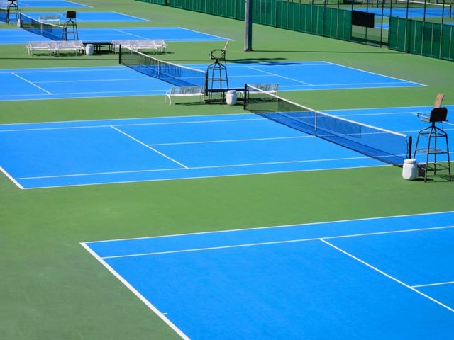 Peinture tennis terrain court sol sportif rev tement for Surface d un terrain de tennis