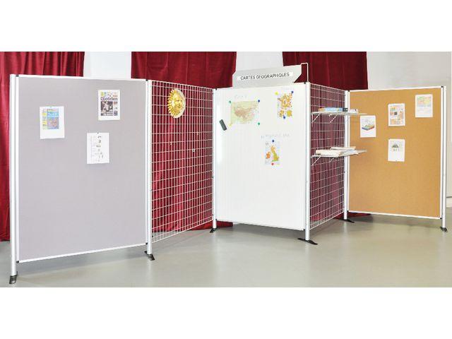 pied pour panneau et grille d 39 exposition contact manutan collectivites. Black Bedroom Furniture Sets. Home Design Ideas