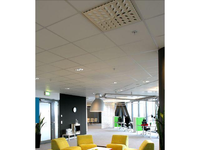 plafond acoustique en laine de roche ekla relief contact rockfon. Black Bedroom Furniture Sets. Home Design Ideas
