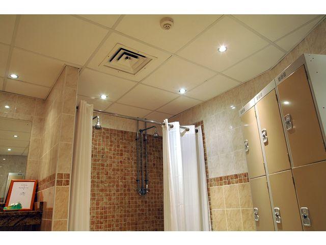 Plafond acoustique en laine de roche logic contact rockfon - Laine de roche humidite ...