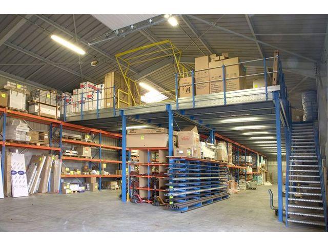 Plateforme mezzanine en kit free mezzanine de stockage for Plateforme mezzanine en kit