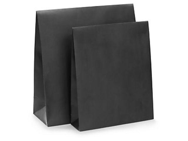 pochette cadeau papier noire mate fermeture adh sive et large rabat contact raja. Black Bedroom Furniture Sets. Home Design Ideas