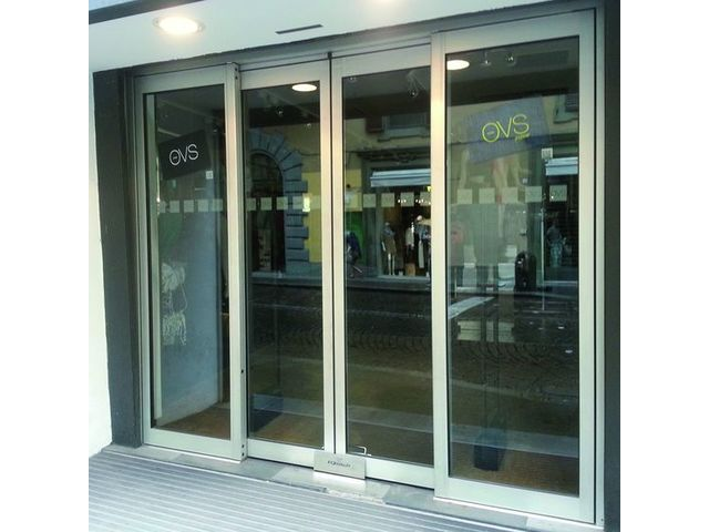Porte automatique coulissante antipanique contact portalp Porte d entree coulissante