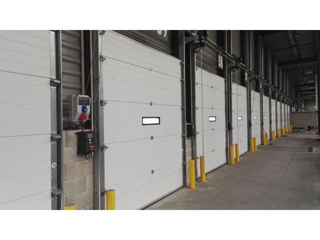 Porte sectionnelle industrielle safir isotec contact safir - Porte sectionnelle industrielle occasion ...