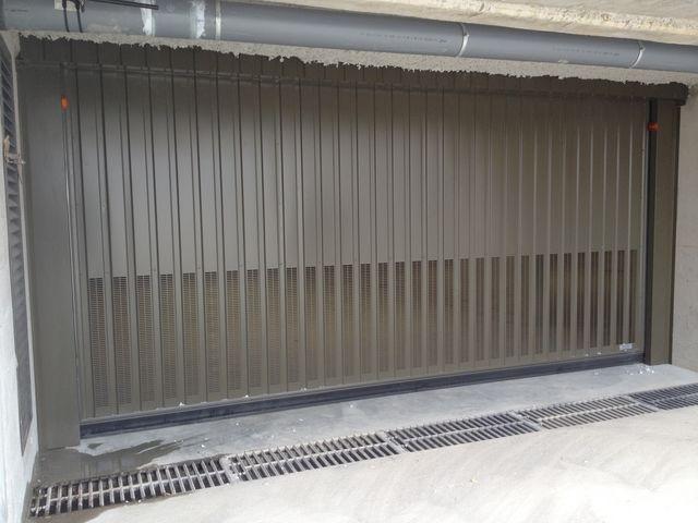 Portes de garage basculantes safir s400 a ro contact safir - Galet pour porte de garage basculante ...