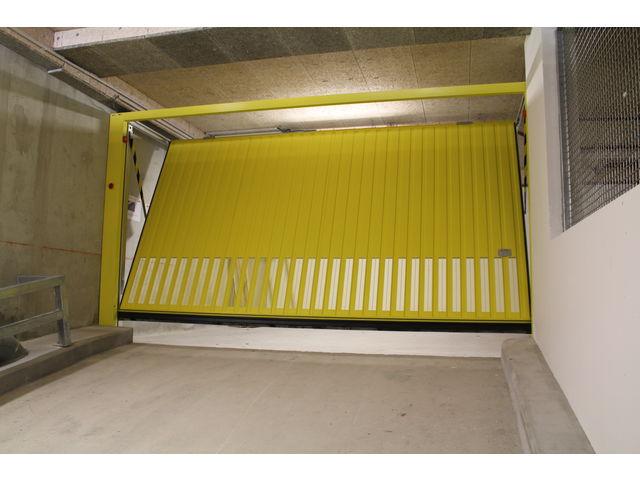 Portes de garage basculantes safir s400 a ro contact for Porte de garage safir