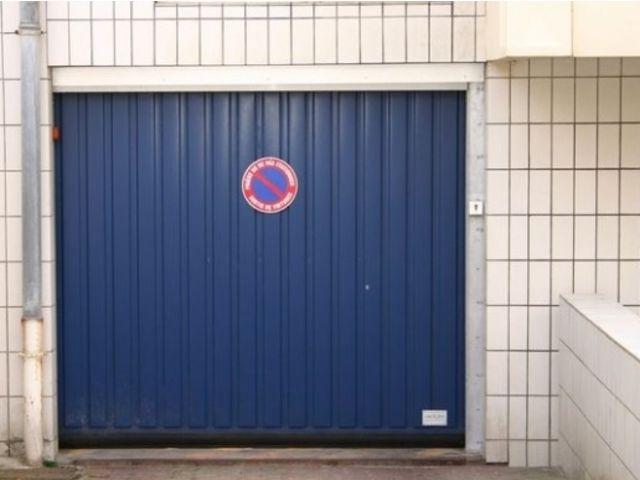 Portes de garage basculantes safir s400 eco contact for Porte de garage safir