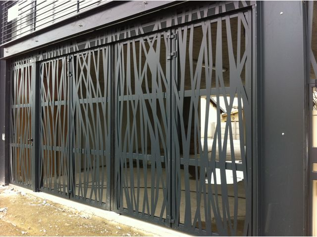Portes de garage en accord on safir w 704 a ro contact safir groupe accedia - Porte accordeon aluminium ...