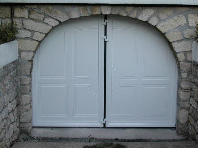 Portes de garage en accord on safir w700 d co bois contact safir - Porte de garage accordeon ...