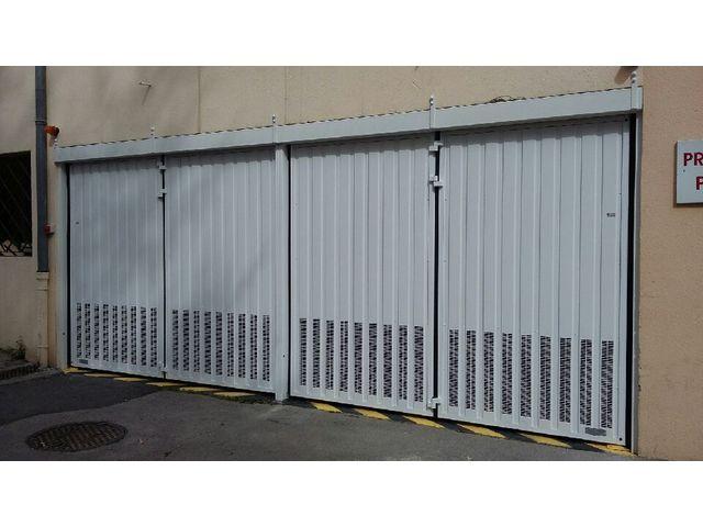 Portes de garage en accordéon safir w702 aéro