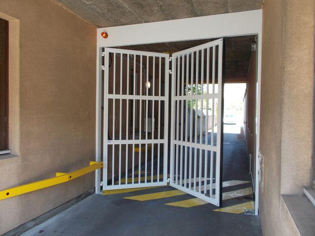 Portes de garage en accordéon safir w702 baro